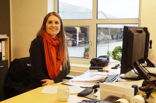 Jane Henriksen leder af Aadum Autoophug